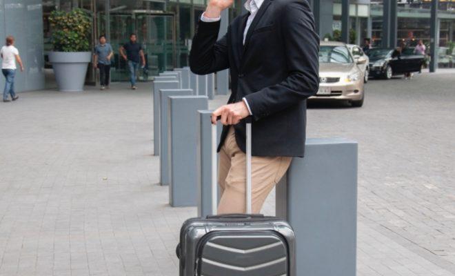 homme affaires aeroport