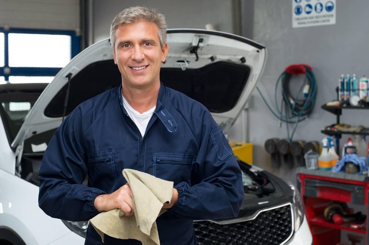 produits nettoyage moteur voiture