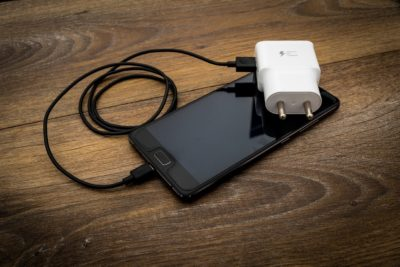 réparer un câble de chargeur USB